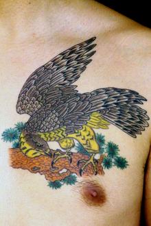 刺青作品 和彫り「鷹」