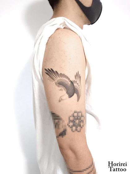 刺青作品 水墨タトゥー 「鷲」